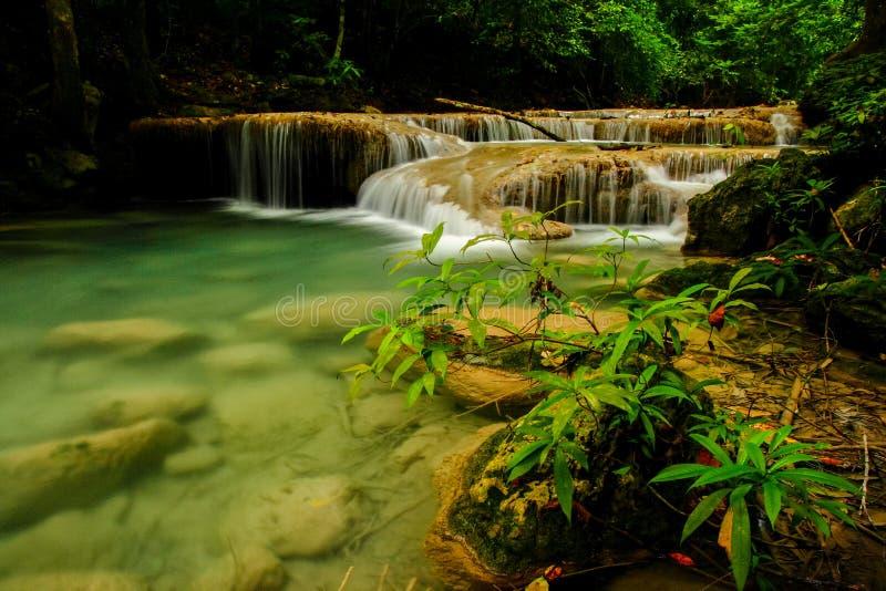 Download Automne de l'eau image stock. Image du montagne, horizontal - 45352339