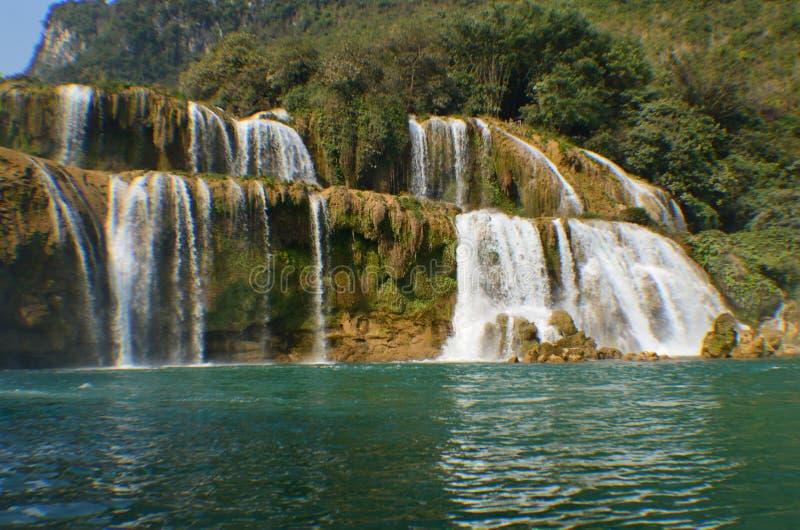 Automne de l'eau de Detian photographie stock libre de droits