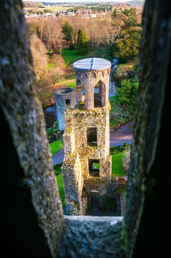 Automne en Irlande Vue aérienne de château de cajolerie image libre de droits
