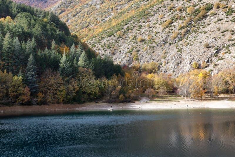 Automne en l'Abruzzo - degli Abruzzes, gorges du Sagittaire image stock