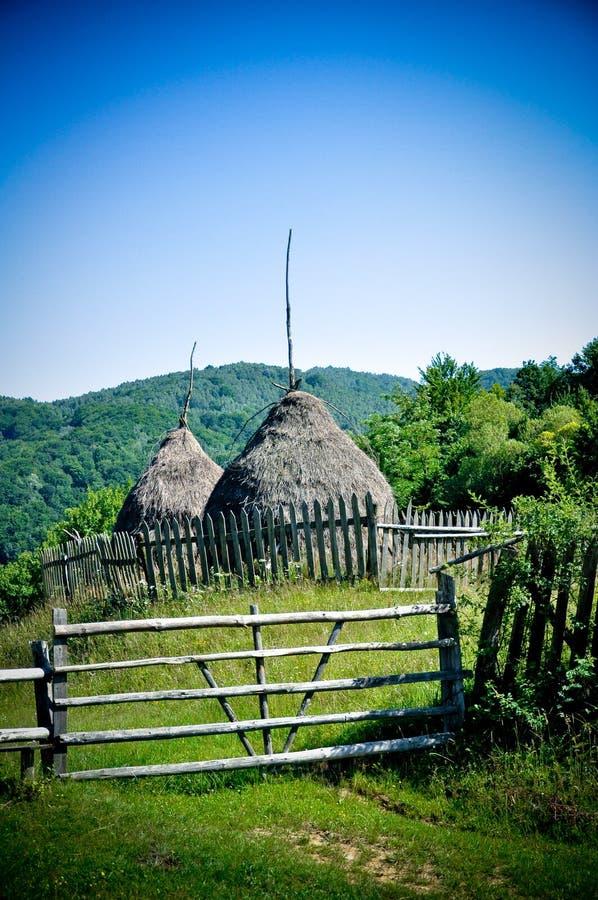 Automne rural Orastie Hunedoara Roumanie de Haystock photographie stock libre de droits