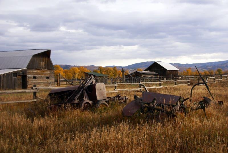 Automne, vieilles constructions occidentales de ferme image libre de droits