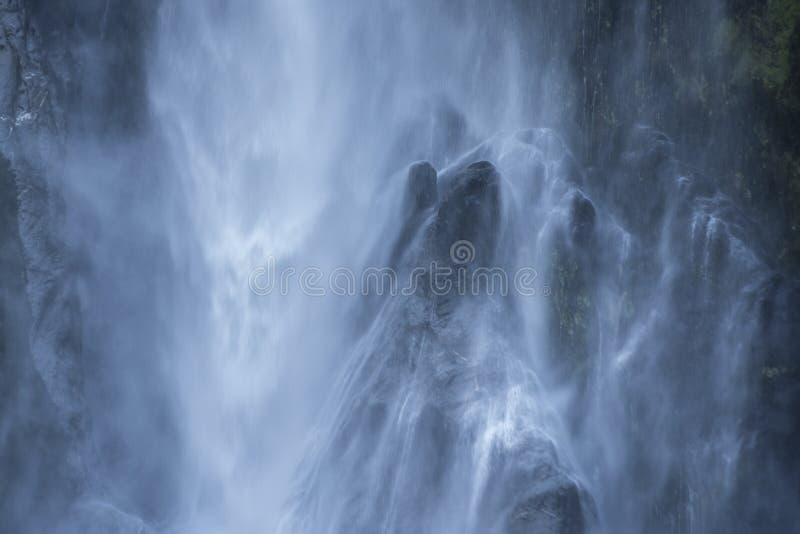 Automnes de Bowen, cascade gentille chez Milford Sound photos stock