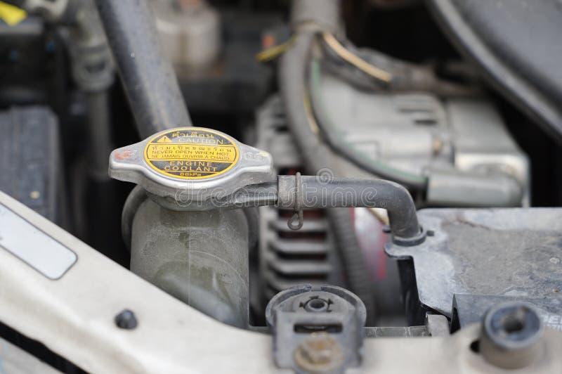 Automobiele vuile de motorbaai van de koelmiddelencontrole stock foto