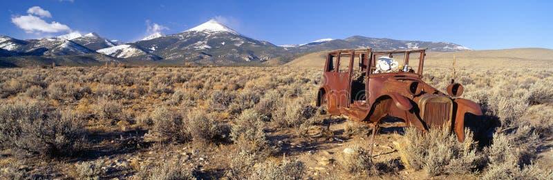 Automobile abbandonata fotografia stock