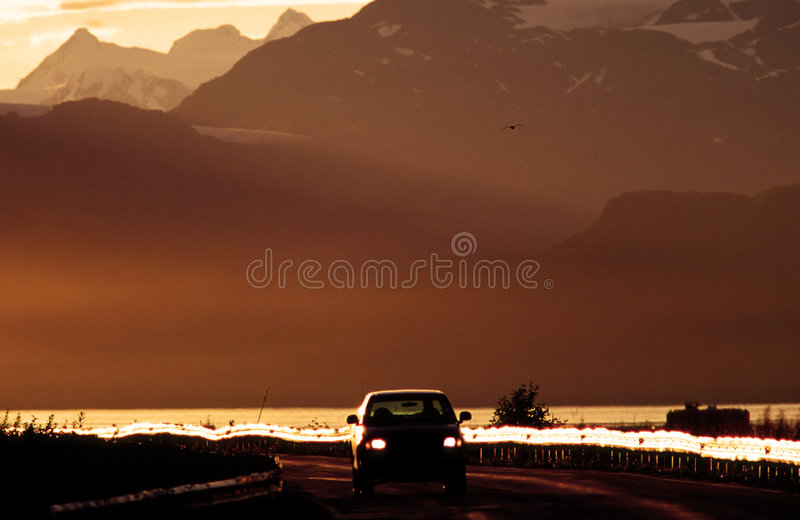 Automobile all'alba immagine stock libera da diritti