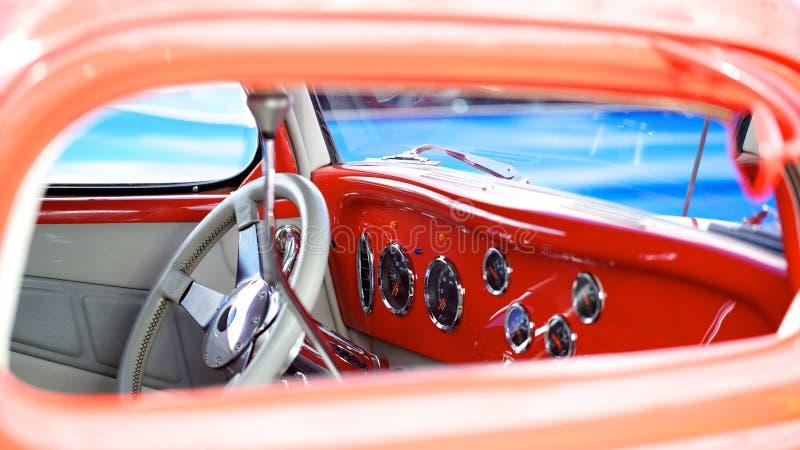 Automobile antica di stato di menta immagine stock