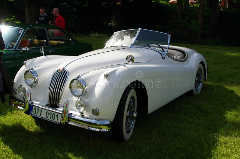 Automobile antica Jaguar fotografia stock libera da diritti