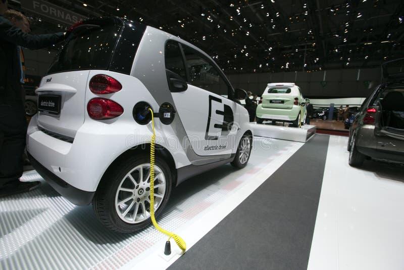 Automobile astuta dell'azionamento elettrico - salone dell'automobile 2009 di Ginevra fotografie stock libere da diritti