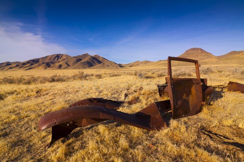 Automobile classica abbandonata fotografia stock libera da diritti