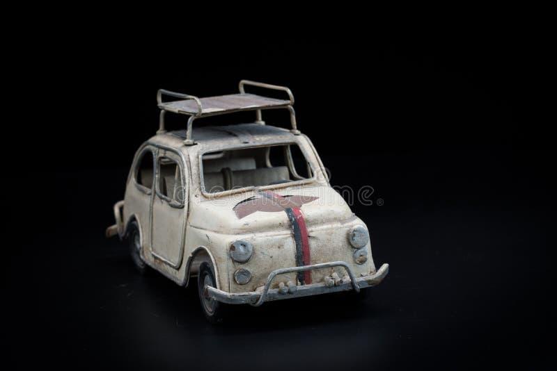 Download Automobile Classica Su Priorità Bassa Nera Fotografia Stock - Immagine di volkswagen, metallo: 56893244