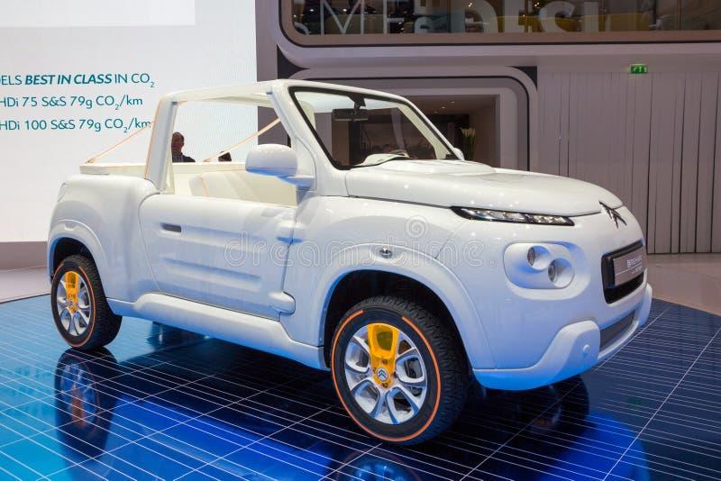 Automobile compatta fuori strada elettrica di Citroen E-Mehari SUV fotografie stock libere da diritti