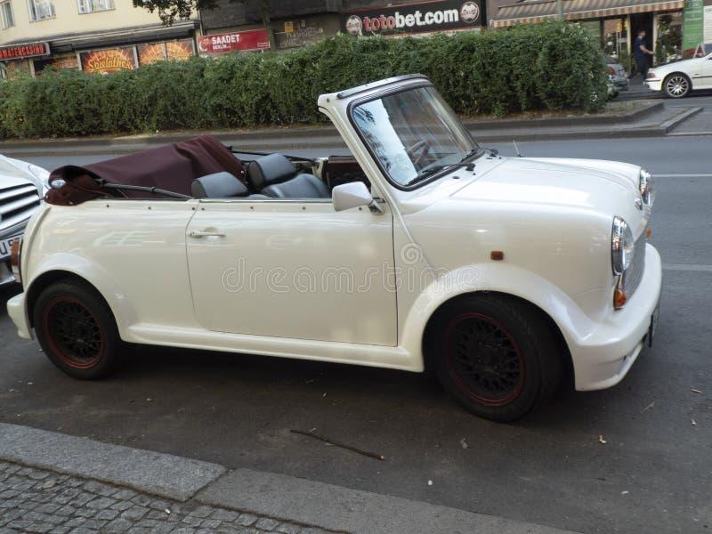 Automobile convertibile di Mini Cooper fotografia stock