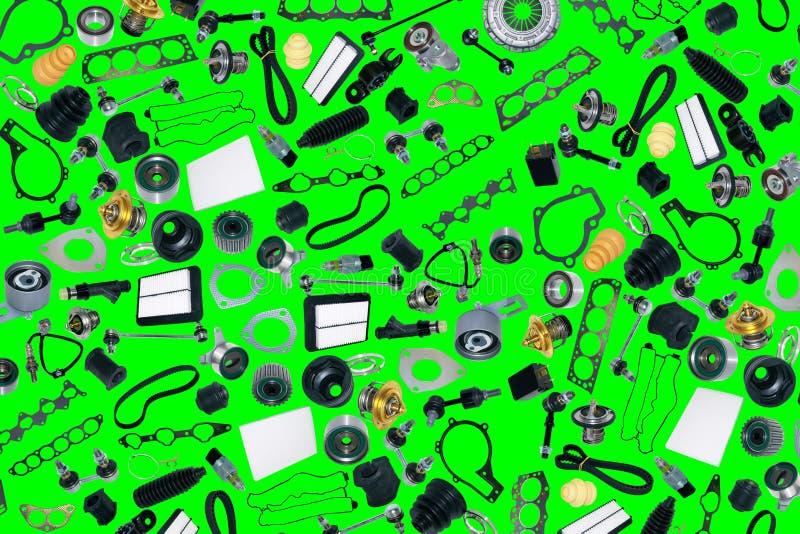 Automobile dei pezzi di ricambio sui precedenti verdi royalty illustrazione gratis
