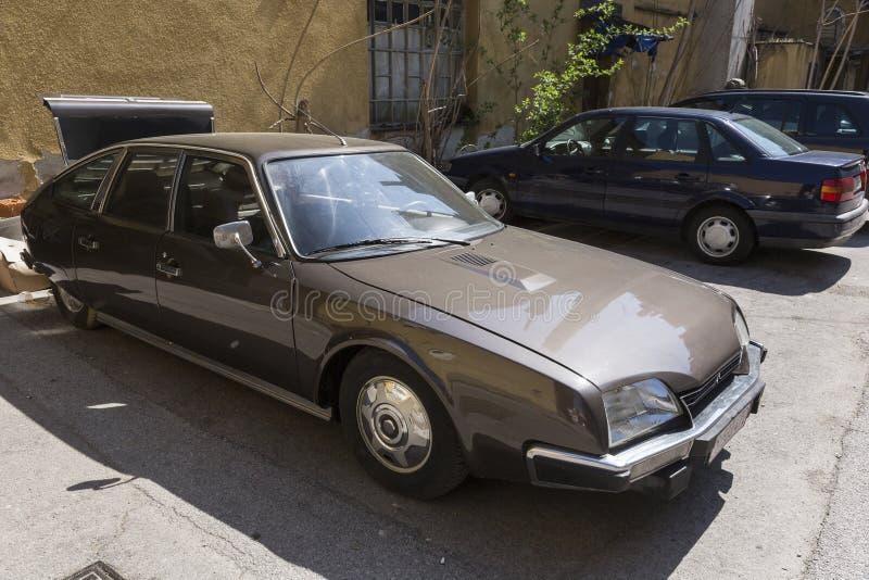 Automobile del oldtimer di Citroen DS immagine stock