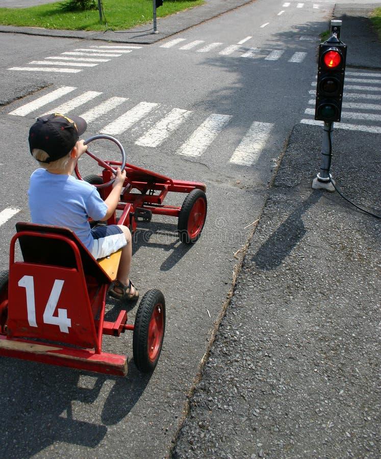 Automobile del pedale in semafori immagine stock