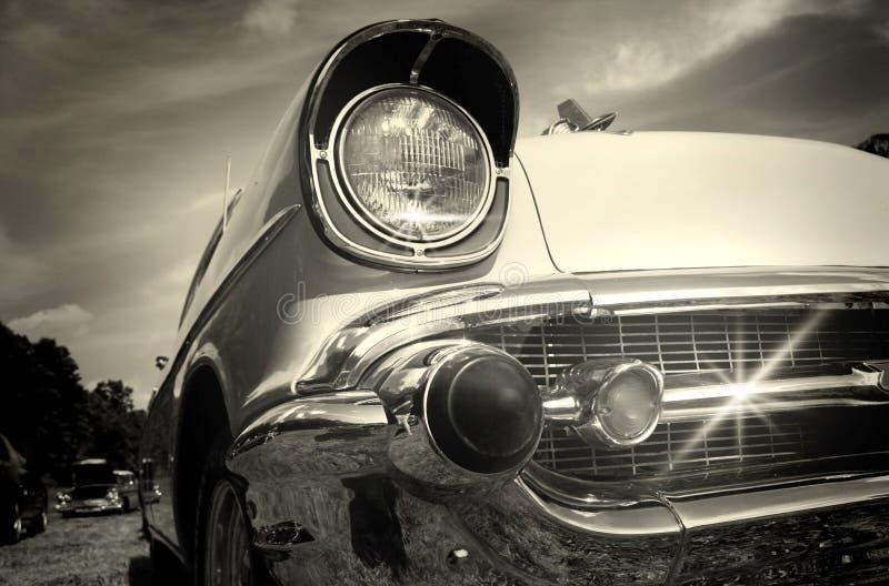 Automobile dell'annata in in bianco e nero fotografie stock