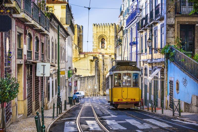Automobile della via di Lisbona immagine stock