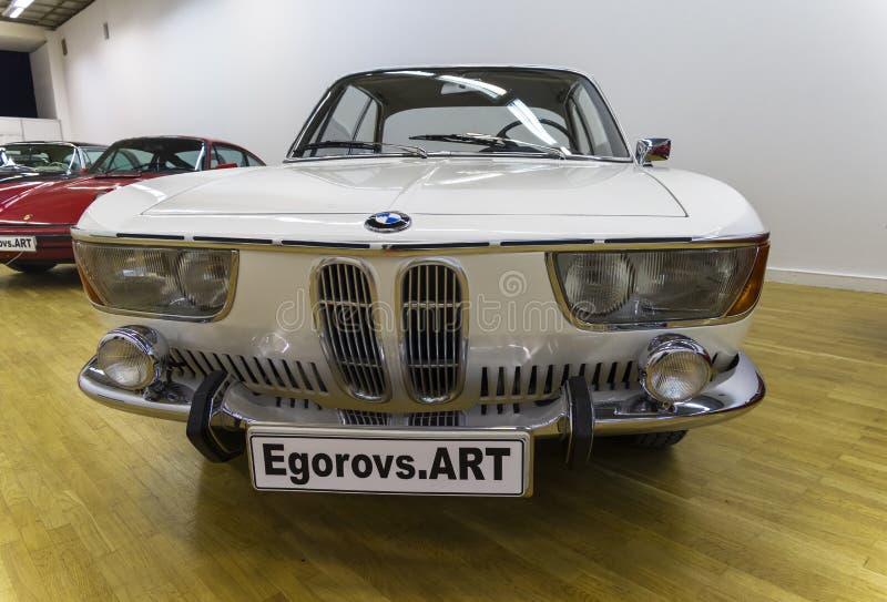 Automobile di BMW 2000CS alla mostra di vecchie ed automobili rare fotografia stock