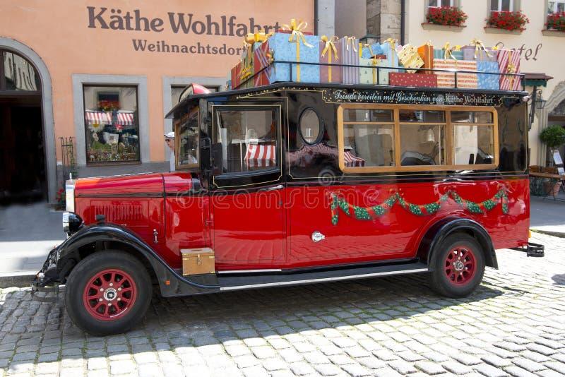 Automobile di Natale al der Tauber del ob di Rothenburg fotografia stock