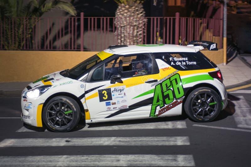 Automobile di raduno di Citroen Ds nella manifestazione di raduno di notte in Tenerife fotografia stock libera da diritti