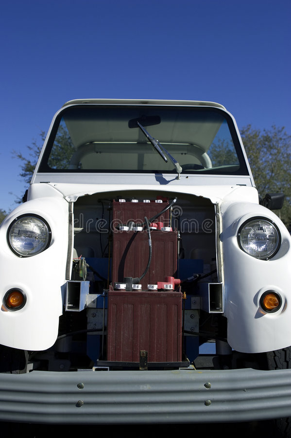 Automobile elettrica con le batterie che mostrano nella celebrazione Florida Stati Uniti S.U.A. fotografia stock libera da diritti