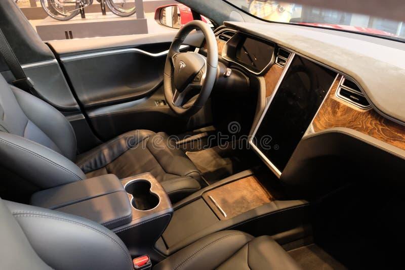 Automobile elettrica del modello X di Tesla fotografia stock libera da diritti