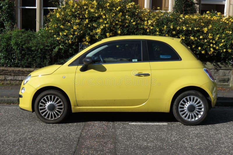 automobile gialla di fiat 500 nuovo modello immagine stock editoriale immagine di editoriale. Black Bedroom Furniture Sets. Home Design Ideas