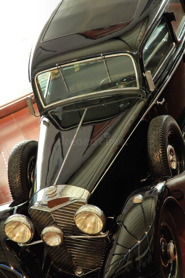 Download Automobile Nera Dell'annata Fotografia Stock - Immagine di accumulazione, rotella: 3887486