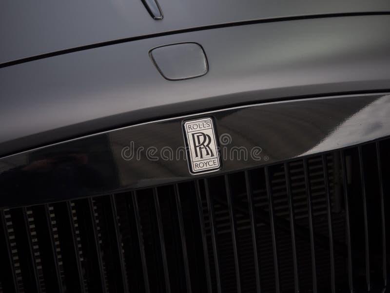 Automobile nera moderna di Rolls Royce Phantom, griglia anteriore/cappuccio ed insegne fotografie stock libere da diritti