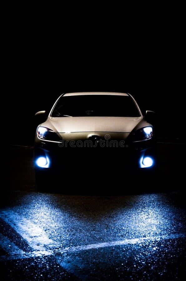 Automobile splendida alla notte fotografia stock