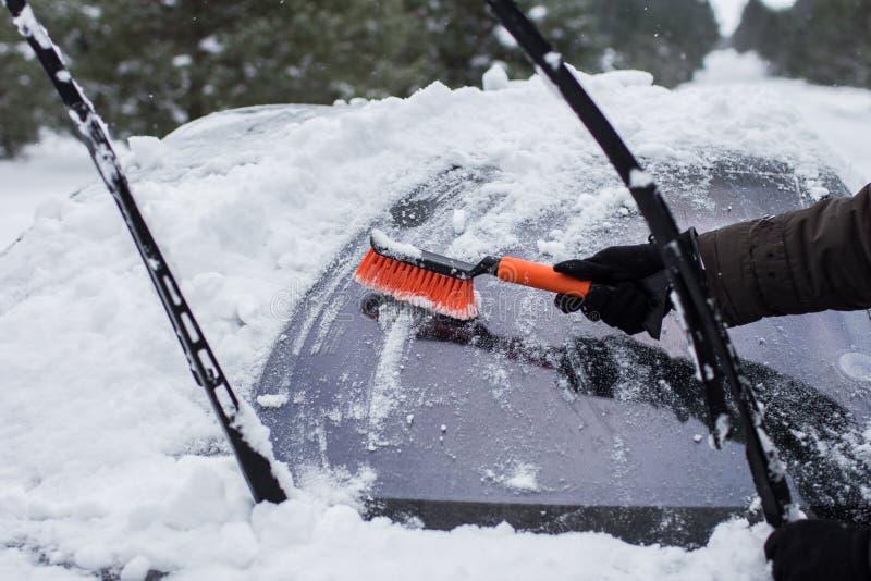 Automobile sull'inverno fotografia stock