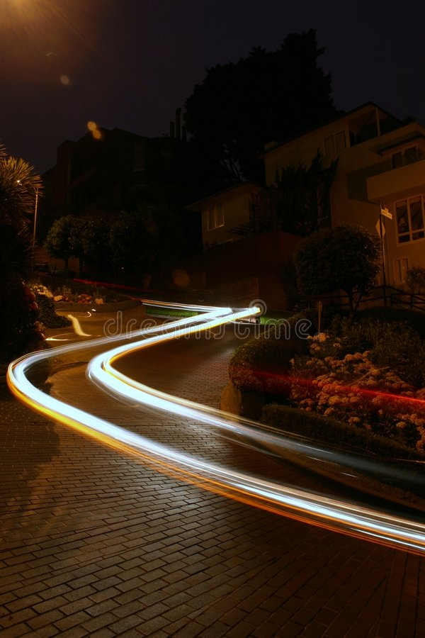 Automobile sulla via del Lombard immagine stock libera da diritti