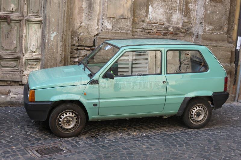 Automobile verde chiaro di Fiat Panda fotografia stock libera da diritti