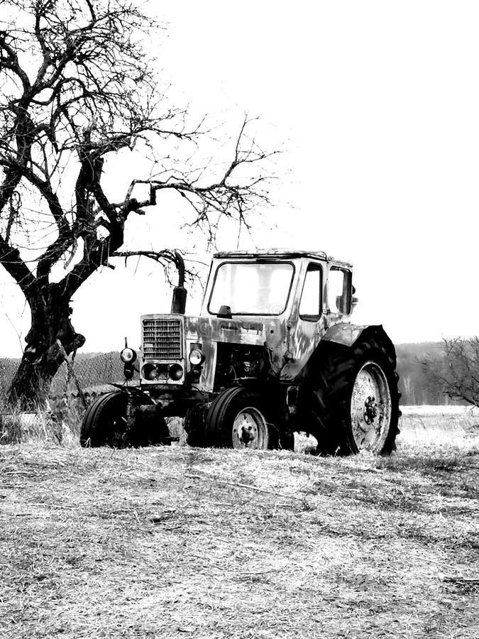 automobile, villaggio del trattore fotografia stock libera da diritti