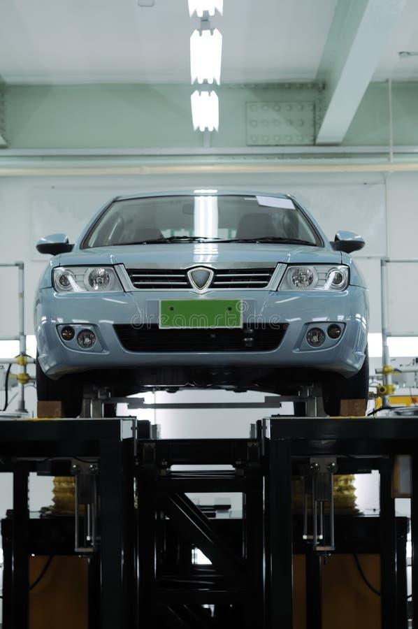 Automobile in workshop fotografia stock libera da diritti