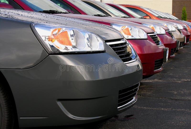 Automobiles neuves photo libre de droits