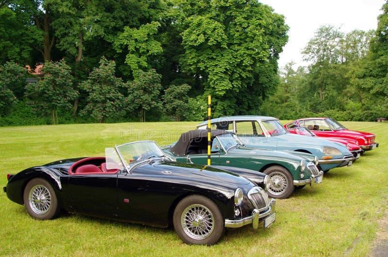 Automobili antiche MG, Citroen fotografia stock libera da diritti