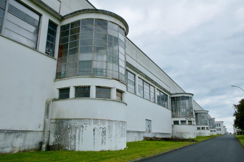 Automobili Chateauroux - prima fabbrica di competenze dell'aeroporto degli aerei fotografie stock
