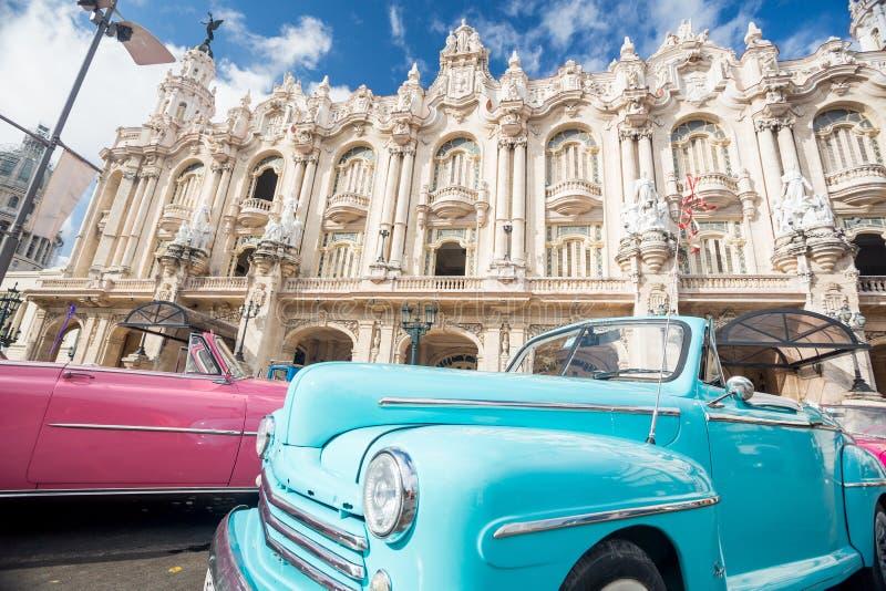 Automobili classiche a Avana, Cuba immagine stock