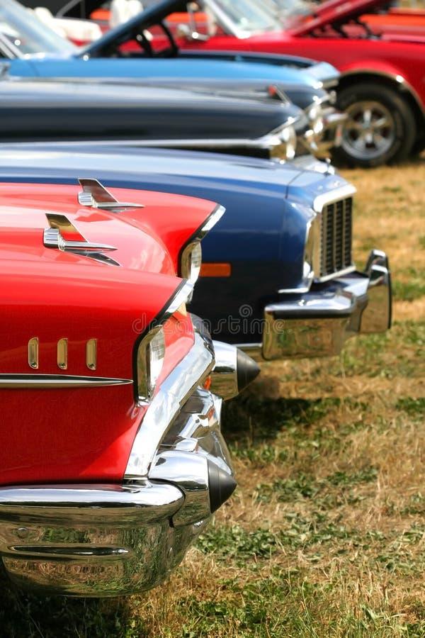 Automobili del muscolo in una riga fotografie stock libere da diritti
