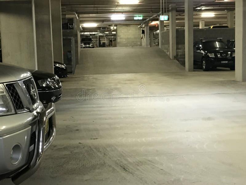 Automobili, parcheggiano immagine stock