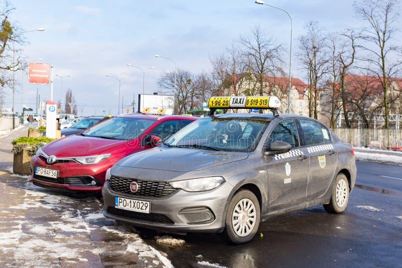 Automobili parcheggiate del taxi fotografia stock libera da diritti