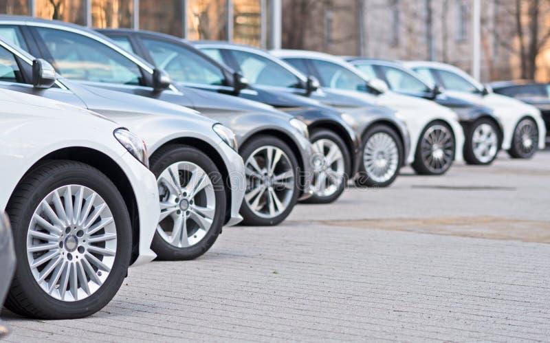 Automobili utilizzate da vendere fotografie stock