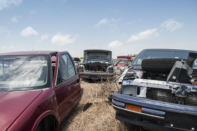 Automobilwiedergewinnungsyard lizenzfreies stockfoto