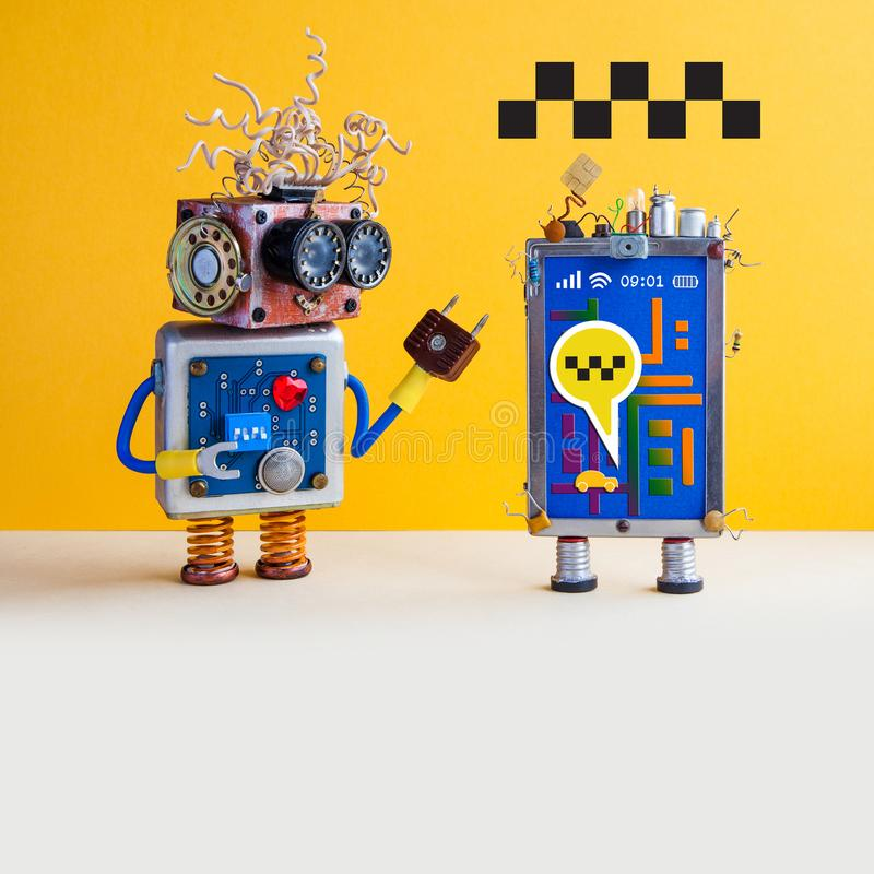 Autonom affisch för advertizing för biltaxiservice Roboten rekommenderar själv-körning taxien genom att använda smartphoneapplika arkivfoton