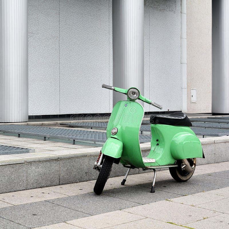 Autoped in Berlijn royalty-vrije stock afbeeldingen