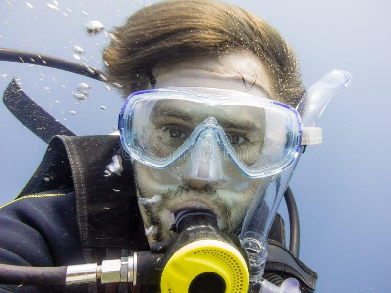 Autoportrait d'un plongeur images libres de droits