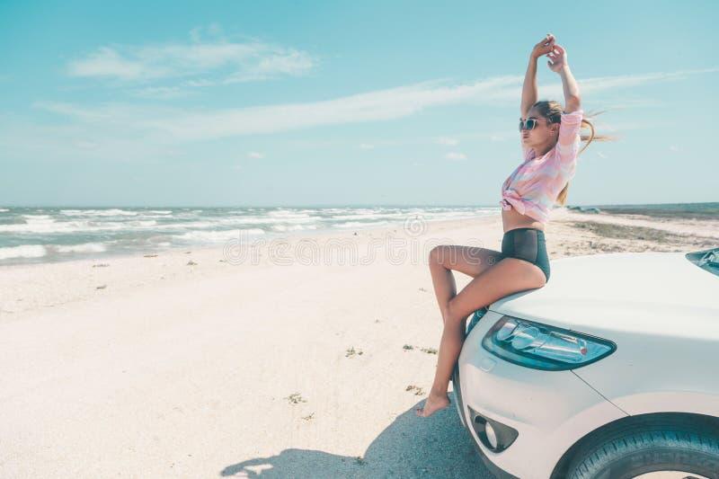 Autoreise zu den Strandurlauben stockfotografie