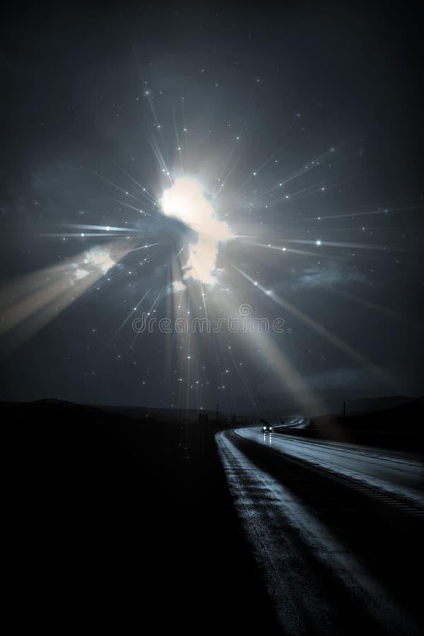 Autoreisen auf dunkler Straße vektor abbildung